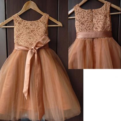 Lovely champagne lace and tulle sle..