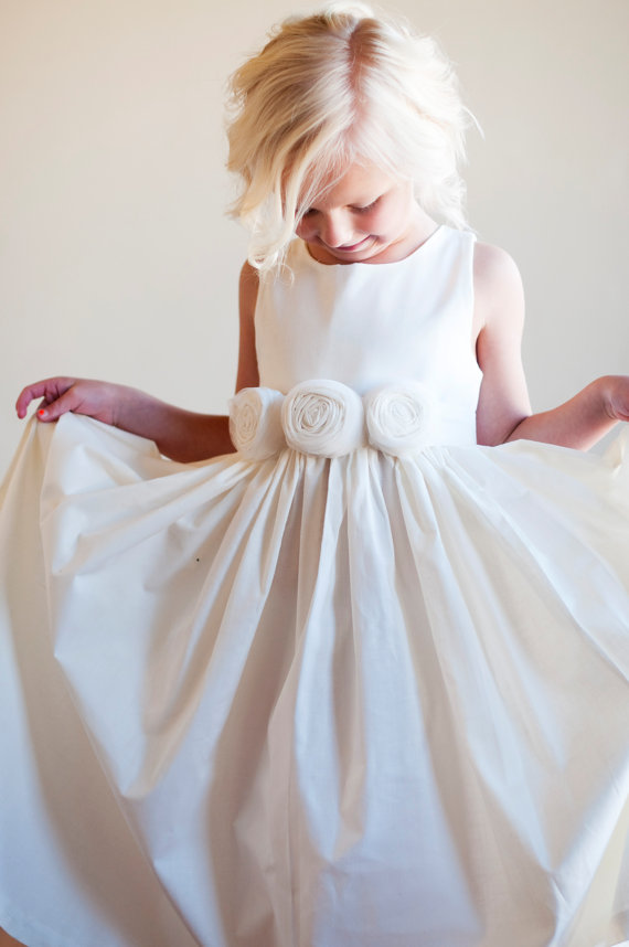White flower girl dresssleeveless flower girl dressflower girl white flower girl dresssleeveless flower girl dressflower girl dress with bowknot flower girl dress girl dressbirthday party dress mightylinksfo