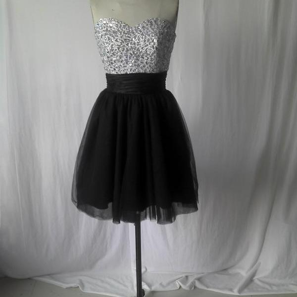 Sweetheart Short Prom Dress ,Black and white prom dress,Tulle Prom Dress ,Cheap Prom dress, beaded prom dress,black prom dress